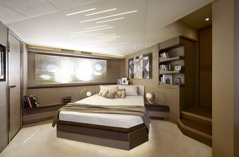 mcy70_Owner_cabin_02