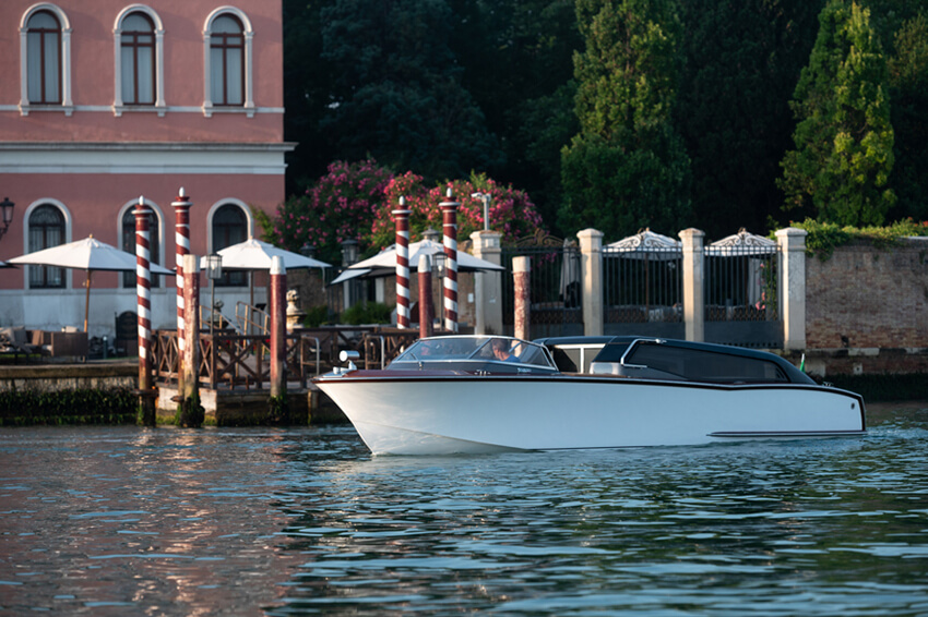 Thunder-Venetian-Taxi---GRG7015-2