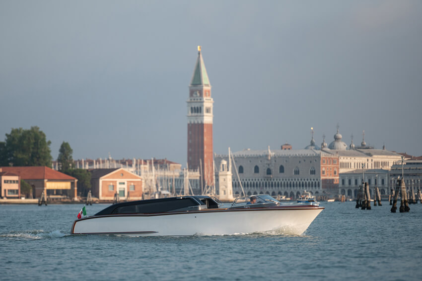 Thunder-Venetian-Taxi---GRG7150-2