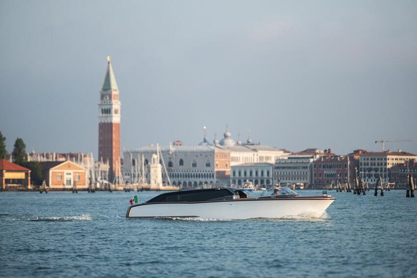 Venetian-Taxi---GRG7148-2-cont