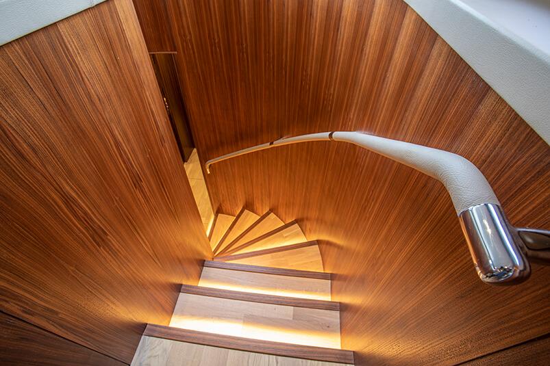 Lower-deck-stairs-1-022020BTIP-3150